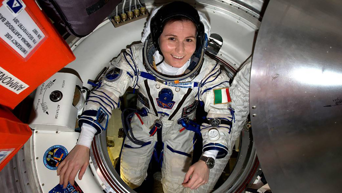 samantha cristoforetti leaves iss