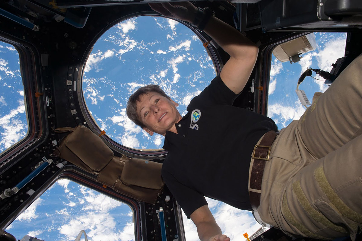 Peggy Whitson in ISS Cupola