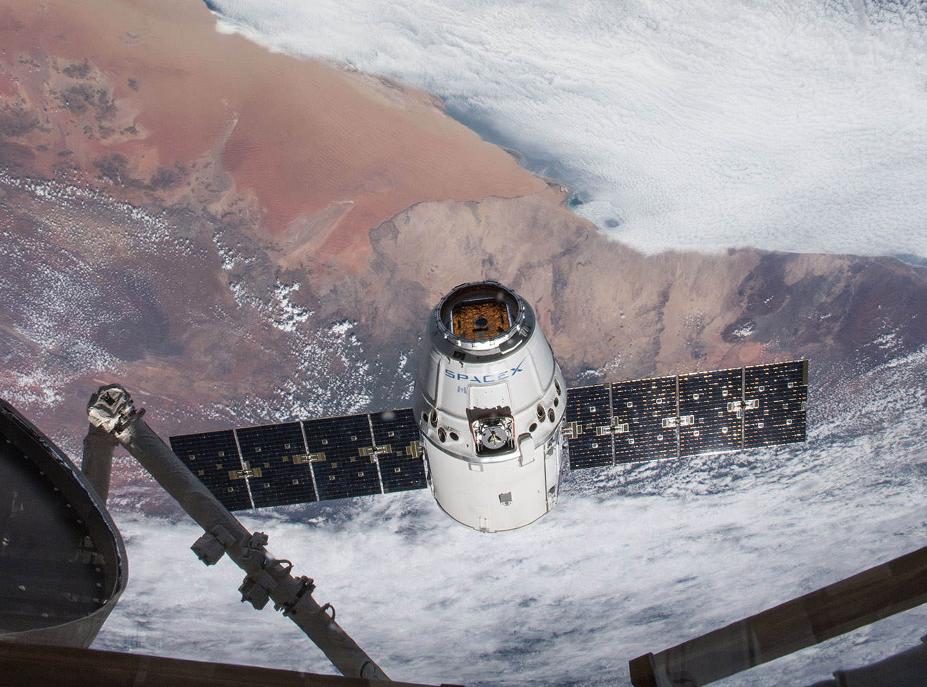 SpaceX 14 Dragon approaches ISS RickyArnold