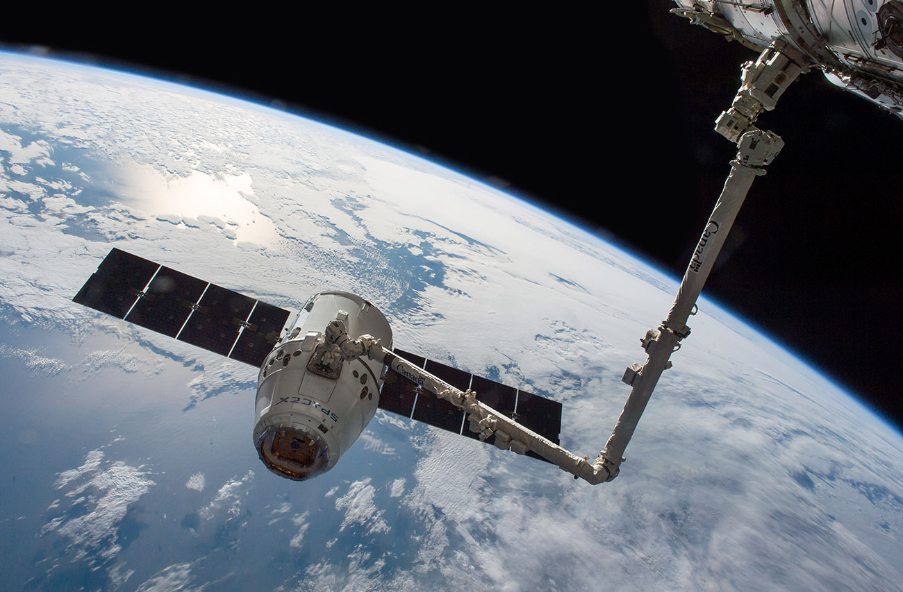 SpaceX Dragon Canadarm2 SpX8