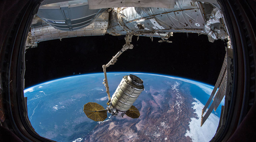 ng10 arrives canadarm