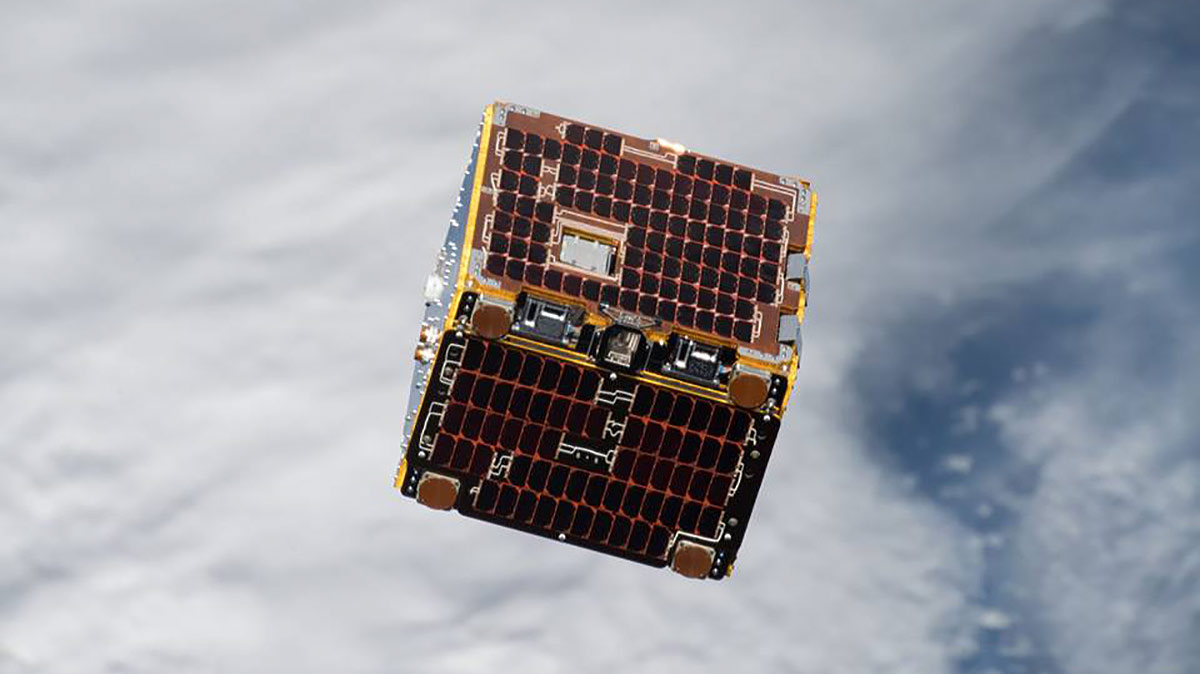 removedebris satellite nanoracks